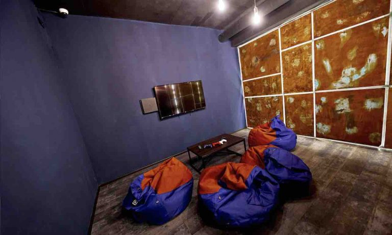 loft game bar room big artema 5-min