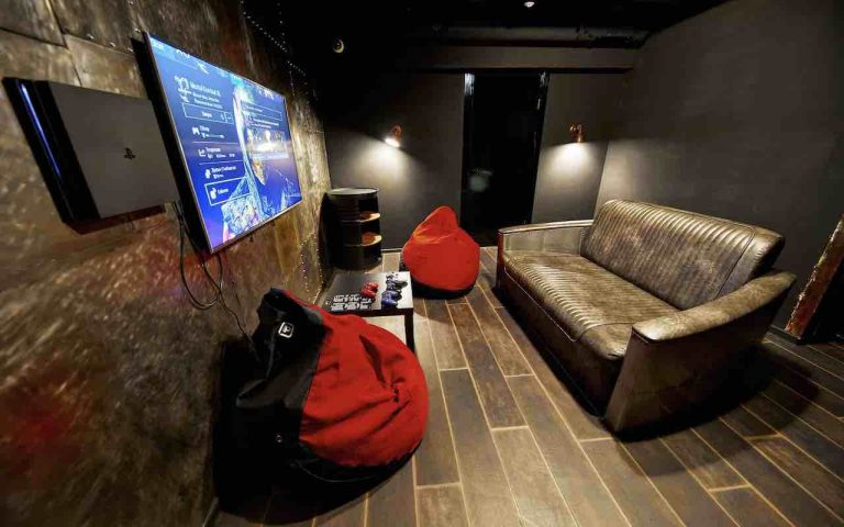loft game bar room steel artema 1-min